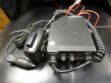 RADIO SHACK 40 CHANNEL CB RADIO WITH MIC MODEL TRC 464 21 1554A