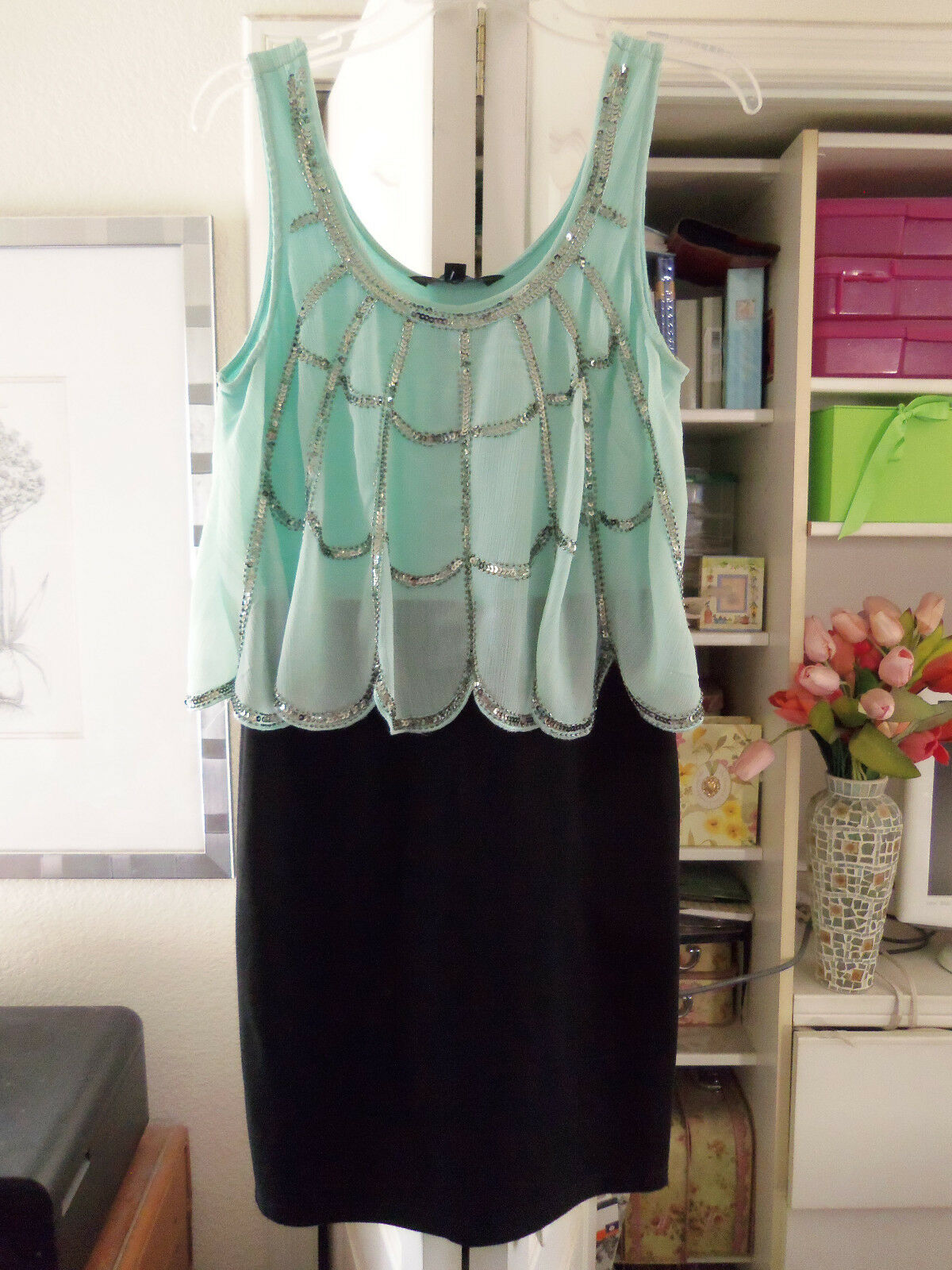 Gorgeous RILEY & JAMES Special Occasion Dress-Size Medium-NEW