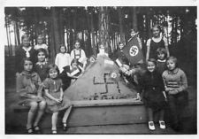 DM625 Photographie Photo Vintage Snapshot Enfants Child Drapeau Flag NAZI