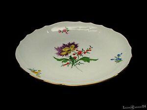 Kuchenschale-original-Meissen-Blumendekor-mit-Goldrand