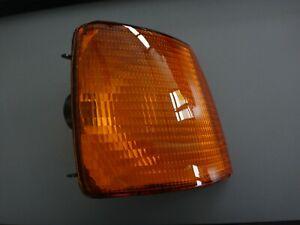 Blinkleuchte-fuer-VW-Passat-gelb-rechts-Helle-9EL133714-011