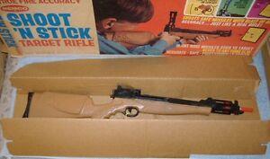 1968-Remco-Shoot-039-N-Stick-Target-Rifle-w-Box