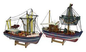 maquette chalutier de p che au filet 24 cm bateau de p che d co marine neuf ebay. Black Bedroom Furniture Sets. Home Design Ideas