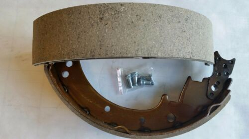 2pc TY47512-33060-71 TOYOTA BRAKE SHOES