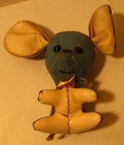Blue-Mouse-Figural-Toy-Amusement-Park-Carnival-Vinyl-5-034-Prize-Japan-1960s