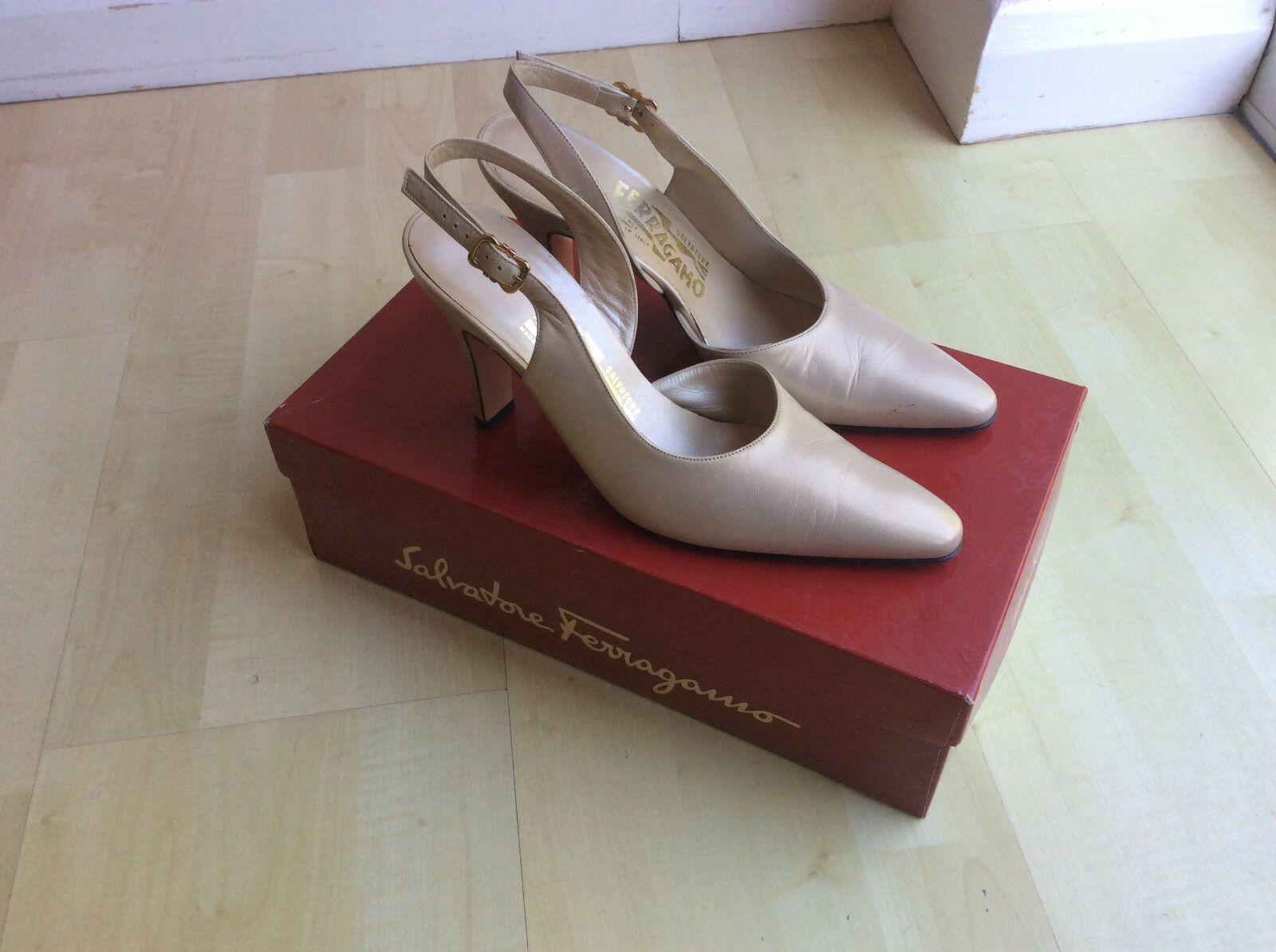 Salvatore Ferragamo Ladies shoes US Size 7 (UK 4.5)