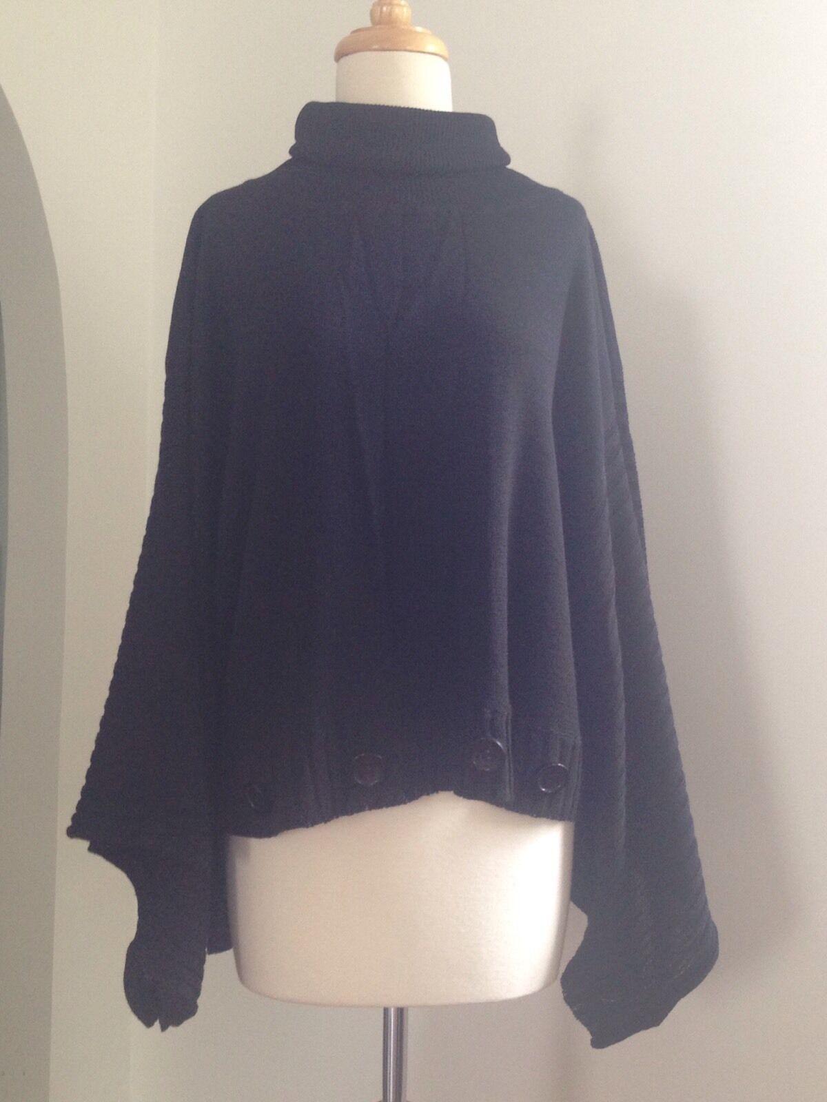 DE TAILLE NWT Linen Knit Poncho Huge Button Detail Kimono Sleeve OverGrößed OSFA