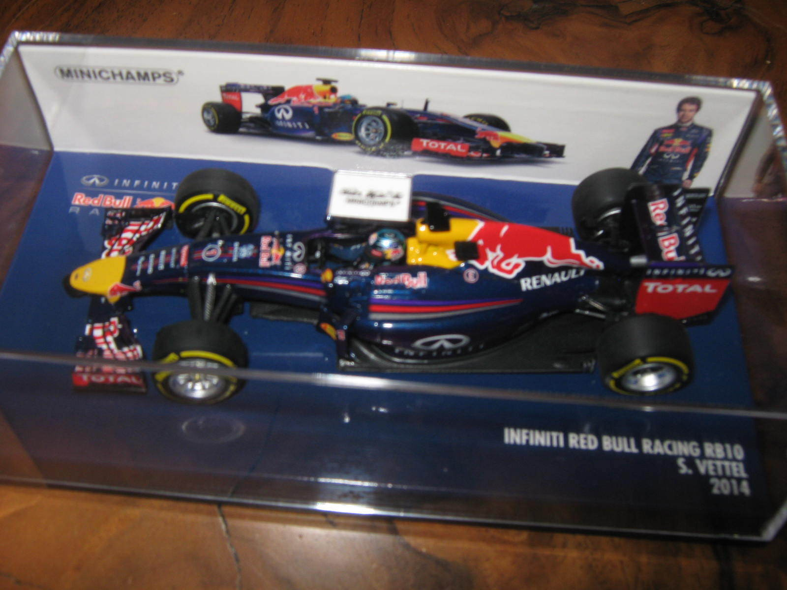 1 43 rosso Bull Renault rb10 rb10 rb10 2014 pag. ciabatta 410140001 Minichamps OVP NEW 27e54c