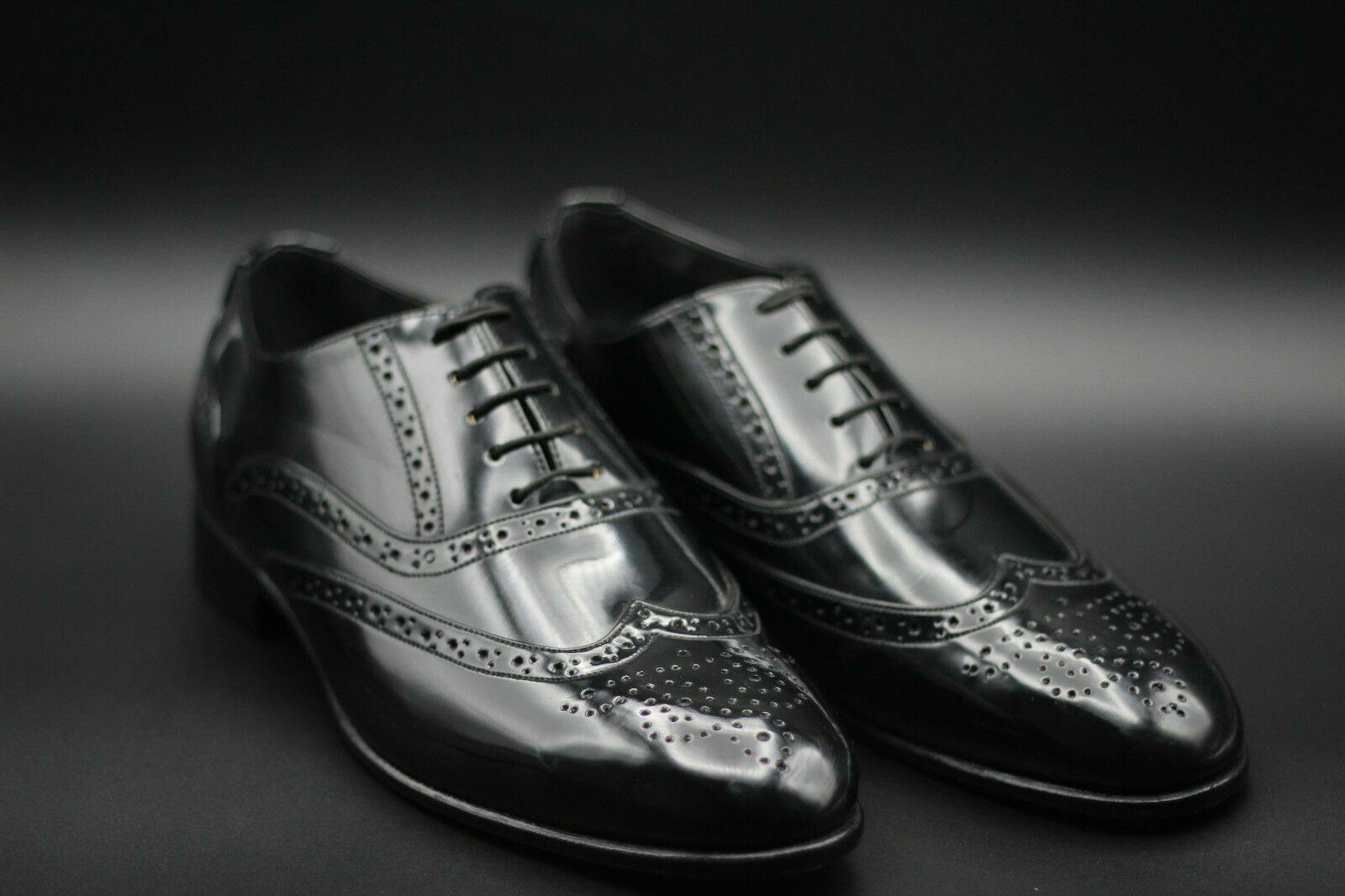 Handgefertigter schwarzer Lackleder Oxford Brogue Wingtip Schnürschuh für Herren