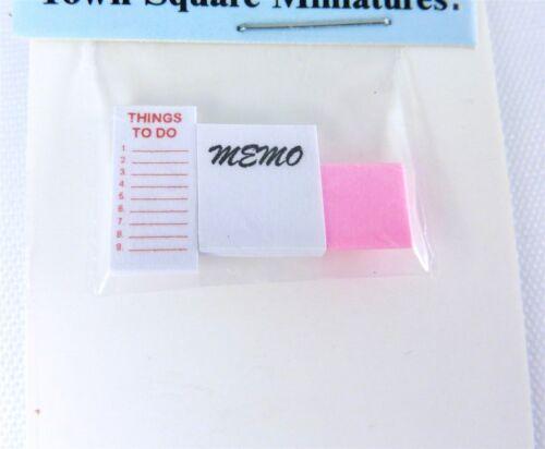 HR561024 Dollhouse Miniature Yellow Legal Pad