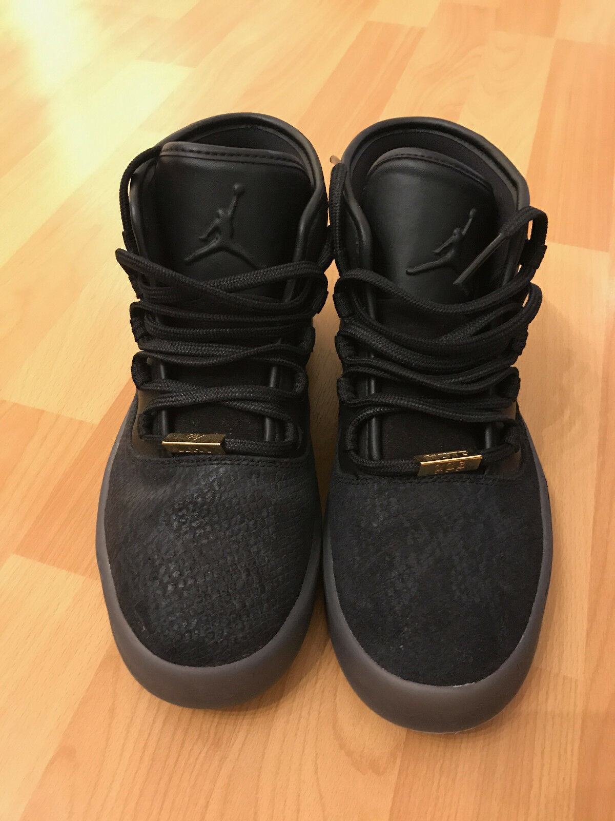 JORDAN WHY NOT SPORTS MENS  BLACK ATHLETIC  SHOES SIZE US 6,5 Y !!! DB