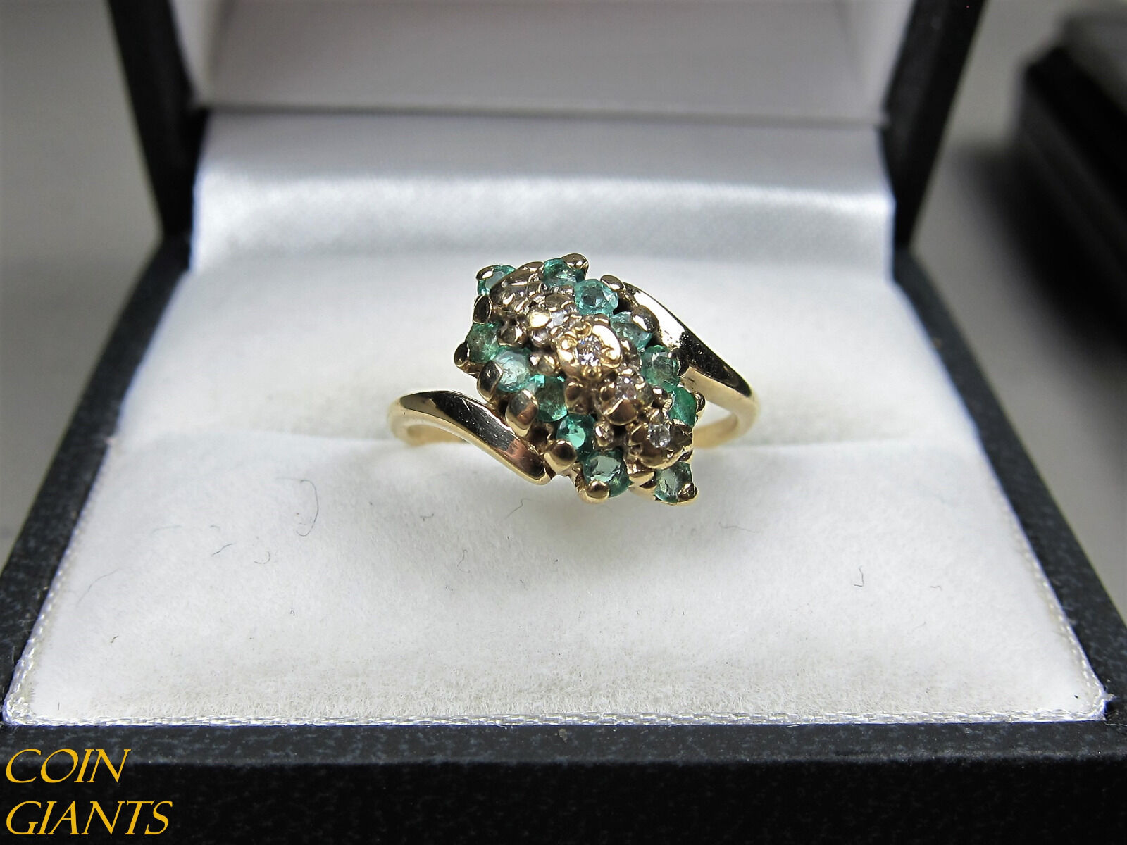 Small Emeralds Gemstone 10k Yellow gold Diamond Accent Cluster Ring Size 5