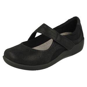 Damas Cloudsteppers Sillian Shoes Clarks Bella Casual Negro qZ8qpav