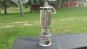 VINTAGE-WOLF-MINERS-SAFETY-LAMP-CFA