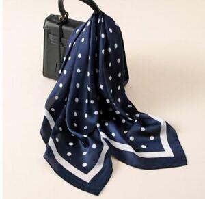 Foulard-Femme-Carre-Bleu-Marine-Pois-Blancs-Effet-Soie-Bijoux-des-Lys