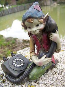 5594 B     FIGURINE  TROLL AVEC SON TELEPHONE  PIXIE ELFE PIXIES LES ALPES