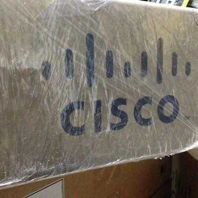 *Brand NEW* SLM2024T Cisco 24 10/100/1000 ports Switch