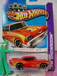 2013-Hot-Wheels-039-57-CHEVY-1957-196-US-Team-Red-w-Yellow-Flames-Garage-Case-Q