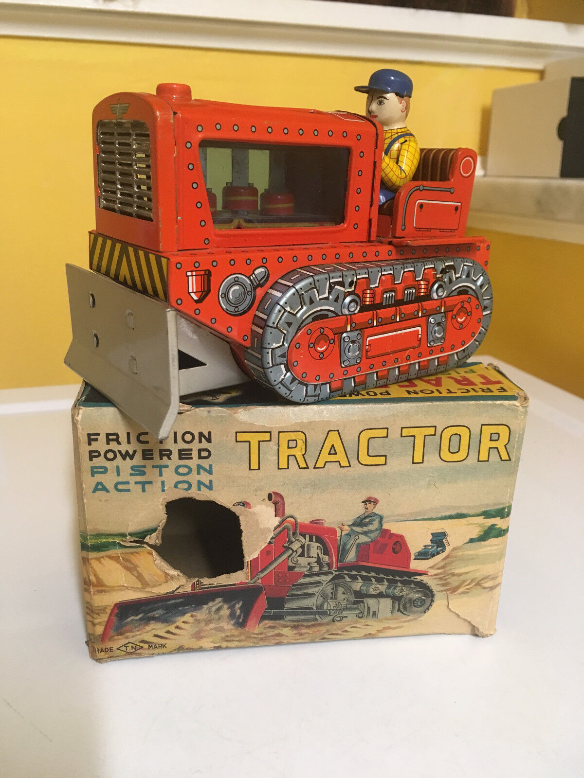 VINTAGE NOMURA TIN FRICTION POWErosso PISTON ACTION TRACTOR IN ORIGINAL BOX. WORKS