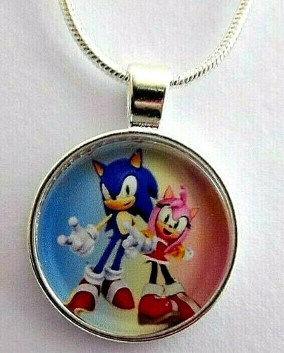 SONIC THE HEDGE HOG AND AMY ROSE NECKLACE GIFT BOX 22 INCH SILVER CHAIN BIRTHDAY