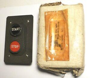 SCR299-original-spare-part-Push-STOP-START-switch-US-NOS-WWII-xX