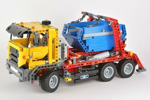 LEGO Technic Vehicles Set 42024 Container Truck COMPLETE SET 100%