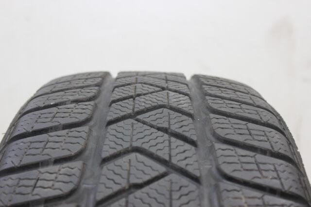 1x Pirelli Winter Sottozero III 225/40 R18 92V XL M+S, 6,5mm, nr 7519