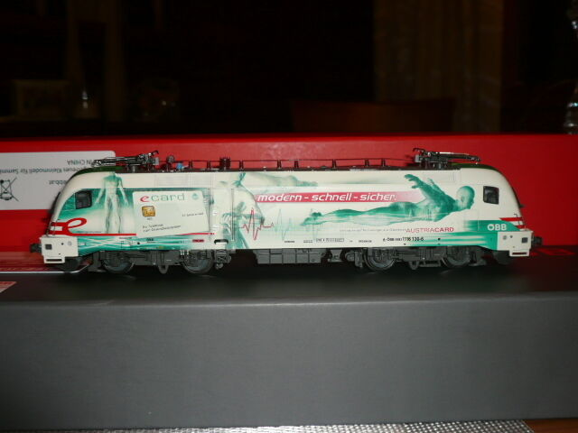 Taurus ROCO rail ad