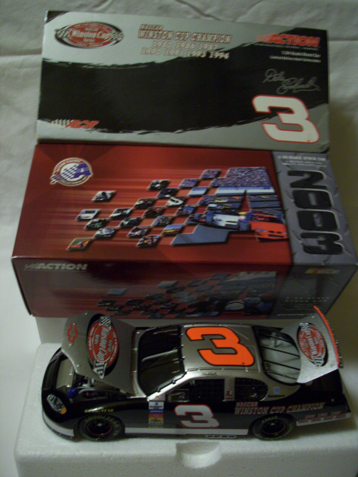 2003 2003 2003 DALE EARNHARDT 1 24 CWC VICTORY LAP 7 TIME CHAMPION ACTION bd692a