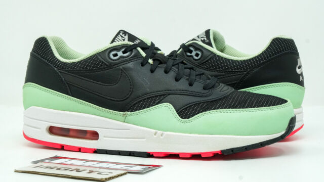 NIKE AIR MAX 1 FB USED SIZE 9 YEEZY BLACK FRESH MINT PINK FLASH 579920 066