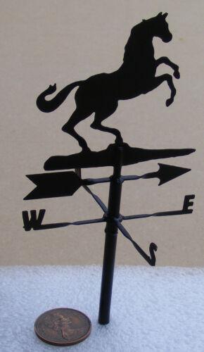 SCALA 1:12 Metallo Nero Un Pezzo Cavallo banderuola tumdee Casa delle Bambole Accessorio