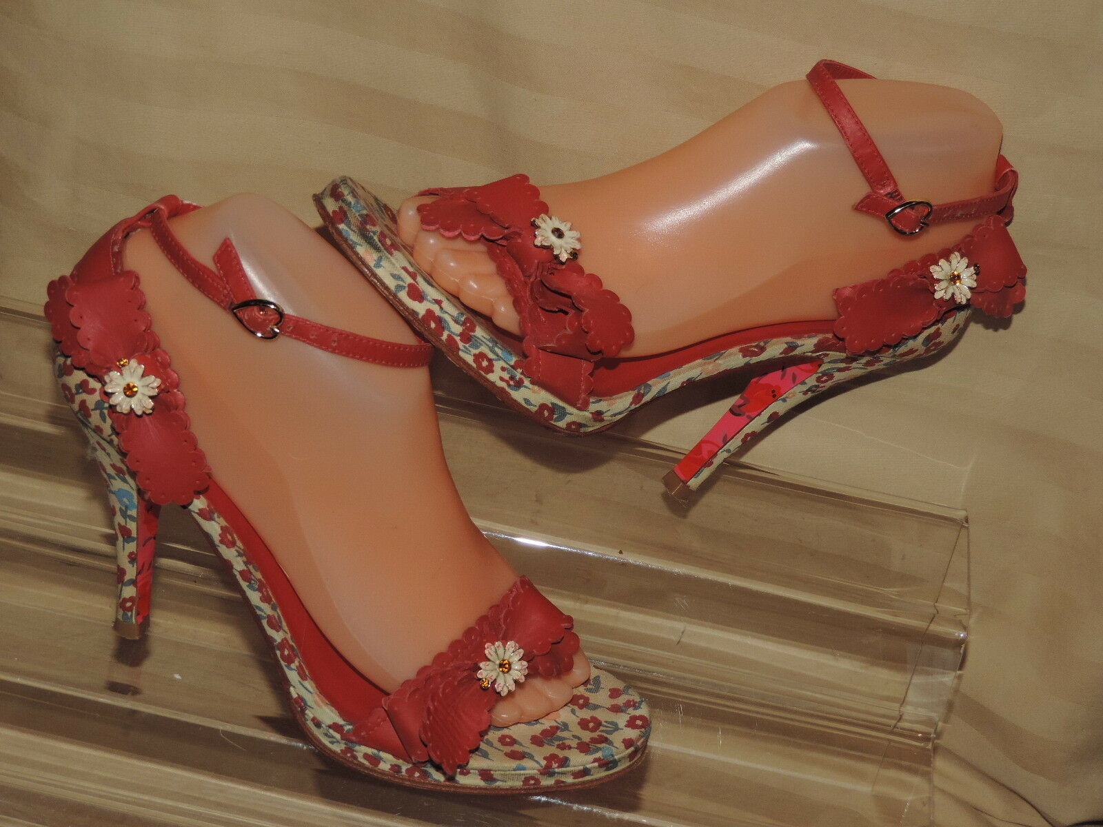 Betsey Johnson 8 M Stiletto Open toe Ankle Strap ROT Leder Bow Flower print
