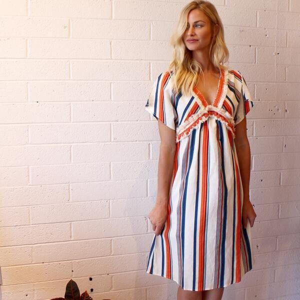 MOON RIVER XS WOVEN SHIFT DRESS  Orange multi striped Tassel Boho NEW