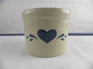 Vtg-Roseville-Pottery-Blue-Heart-Low-Jar-1-Pint