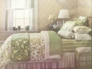 NEW-Waverly-4-Piece-Set-KING-QUEEN-Shams-Bedskirt-Comforter-Lexington-Rose-Green