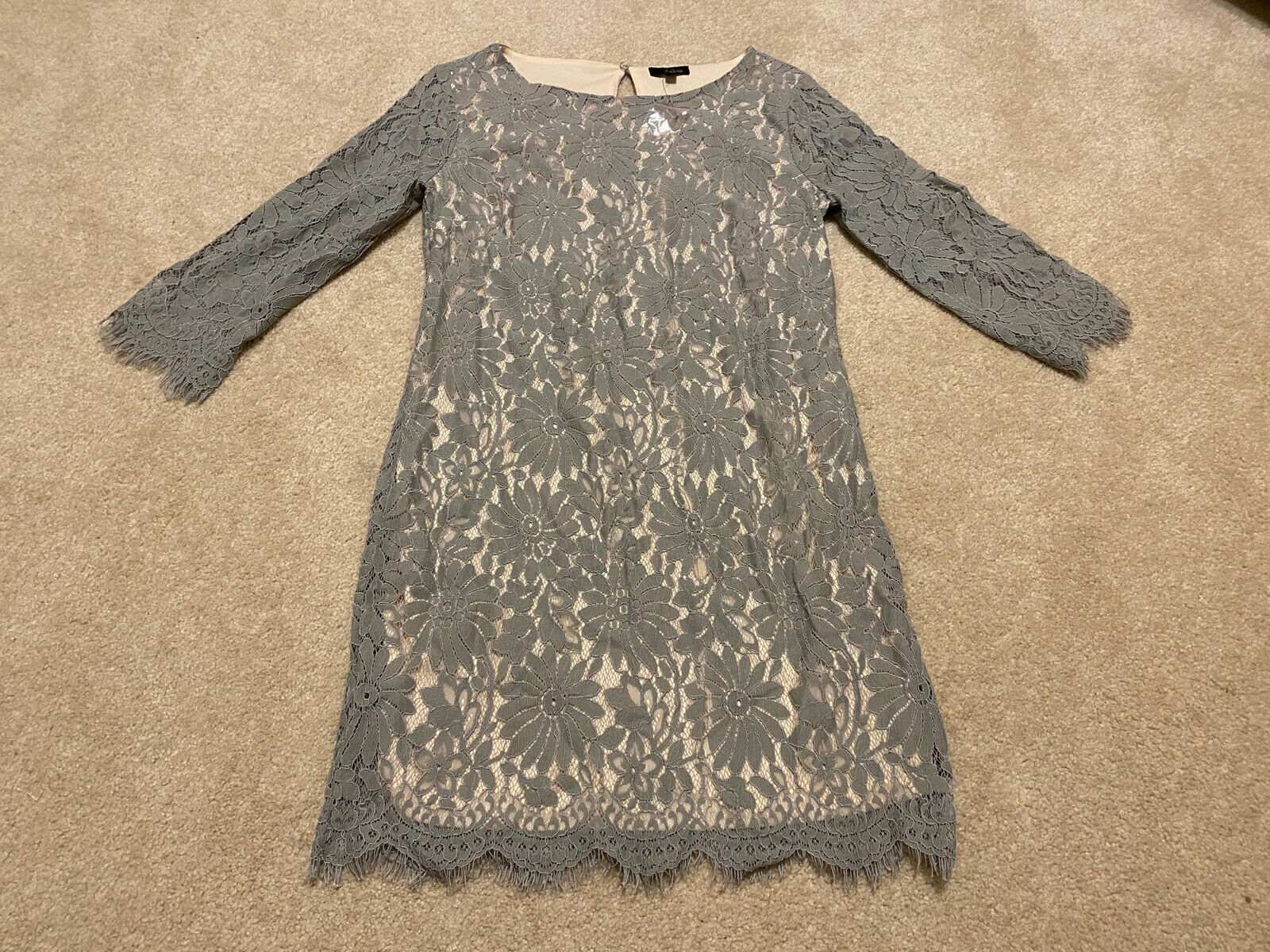 NWOT Aakaa Women's Gray taupe Dress - Lace Overlay - Formal small