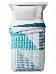 Room Essentials Comforter Teal Blue Size: Twin XL NEW