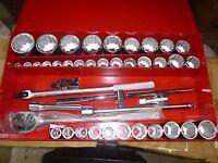 Proto Tools 42 Pcs 3/4 Drive 6 Pt Deep & 12 Pt Stand. Sae Socket Set J55106