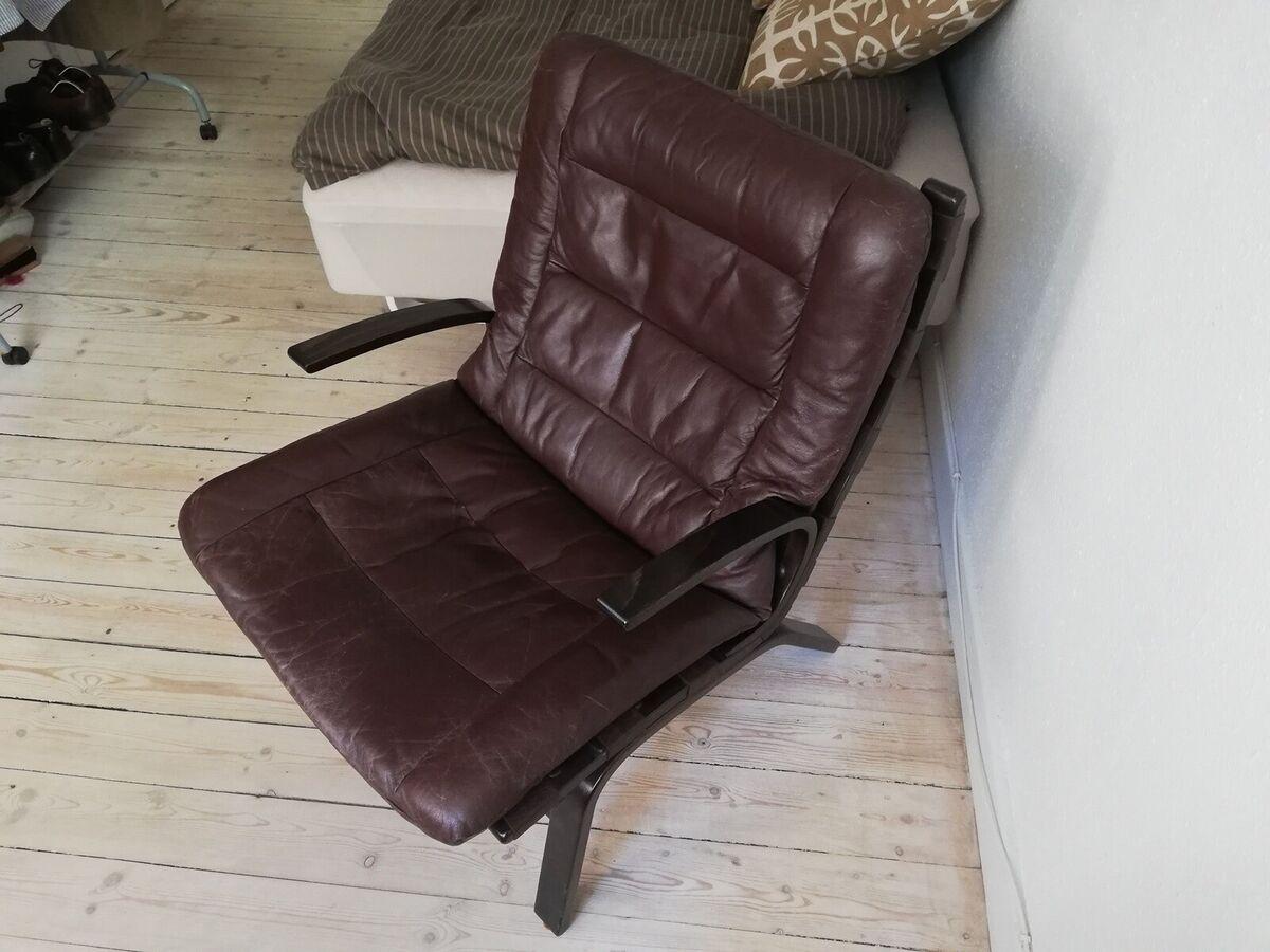 Læderlænestol, læder, Dejlig lænestol der har gjordt mege
