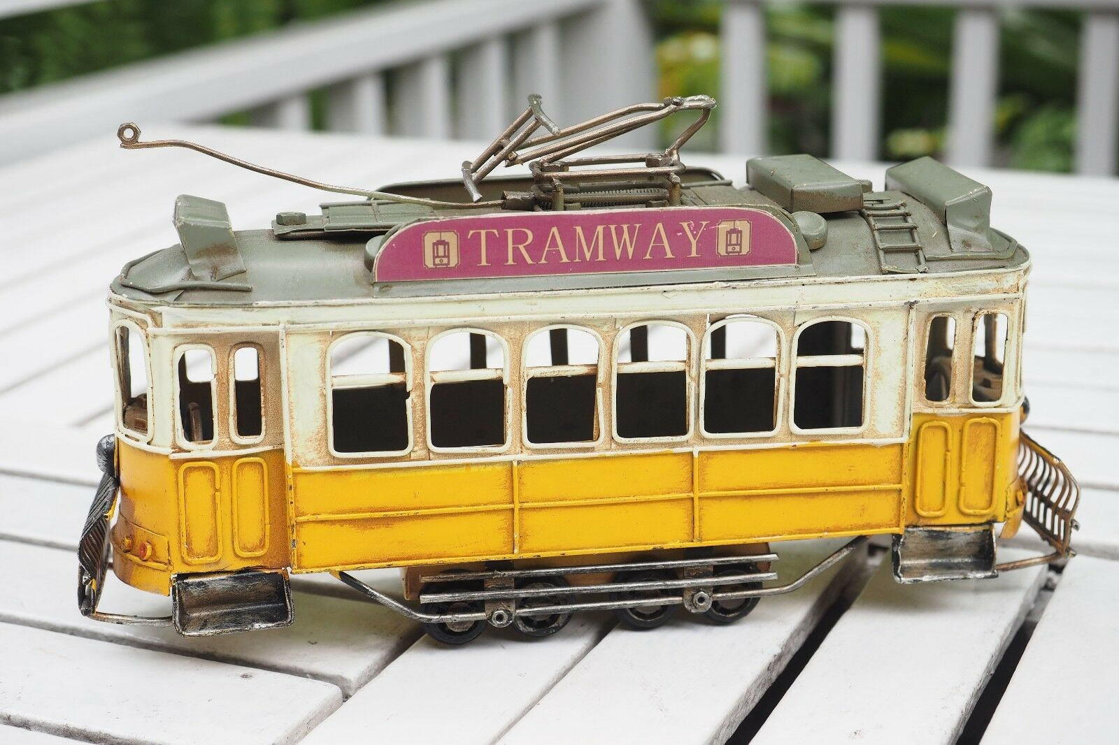Retro Tram Model HandCraft Collect Decor Diecast Metal Vintage Vehicle Toy Gift