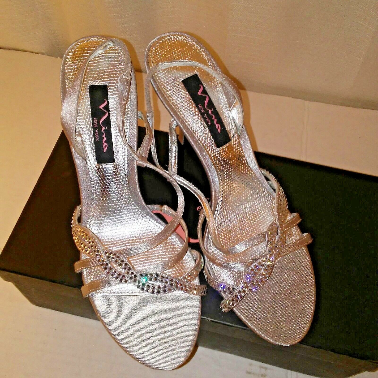 Nina shoes New York Womens Rhinestone and Silver Open Toe Sandals 7.5
