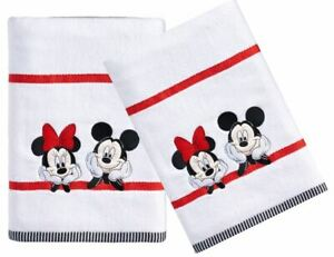 DISNEY-MICKEY-amp-MINNIE-MOUSE-Set-of-2-Home-Bath-Towels-NEW-Tags-Character-Decor