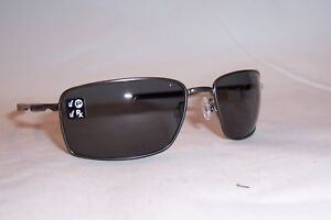 11637b540df New Oakley Sunglasses SQUARE WIRE OO4075-04 CARBON GRAY POLARIZED ...