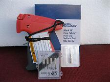 Avery Dennison Fine Clothing Price Tagging Gun Plus 4 Extra Needle