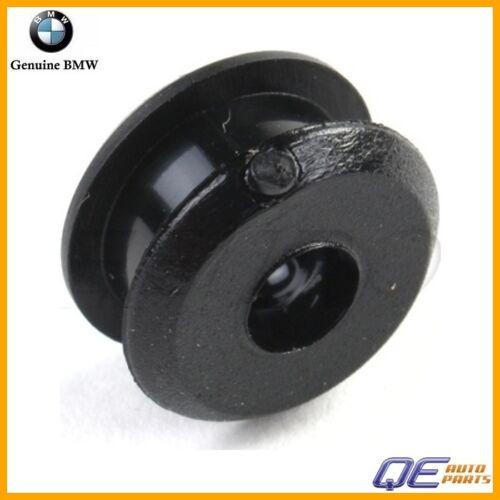 Grommet Accelerator Cable to Pedal Shaft 35411152331 For BMW E23 E24 E30 E34 E36