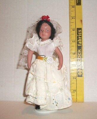 Dolls & Bears Miniature Ceramic Bride Doll & Stand 6 And 2/8 Inches Tall Dollhouse Age Unknown Top Watermelons Other Dolls