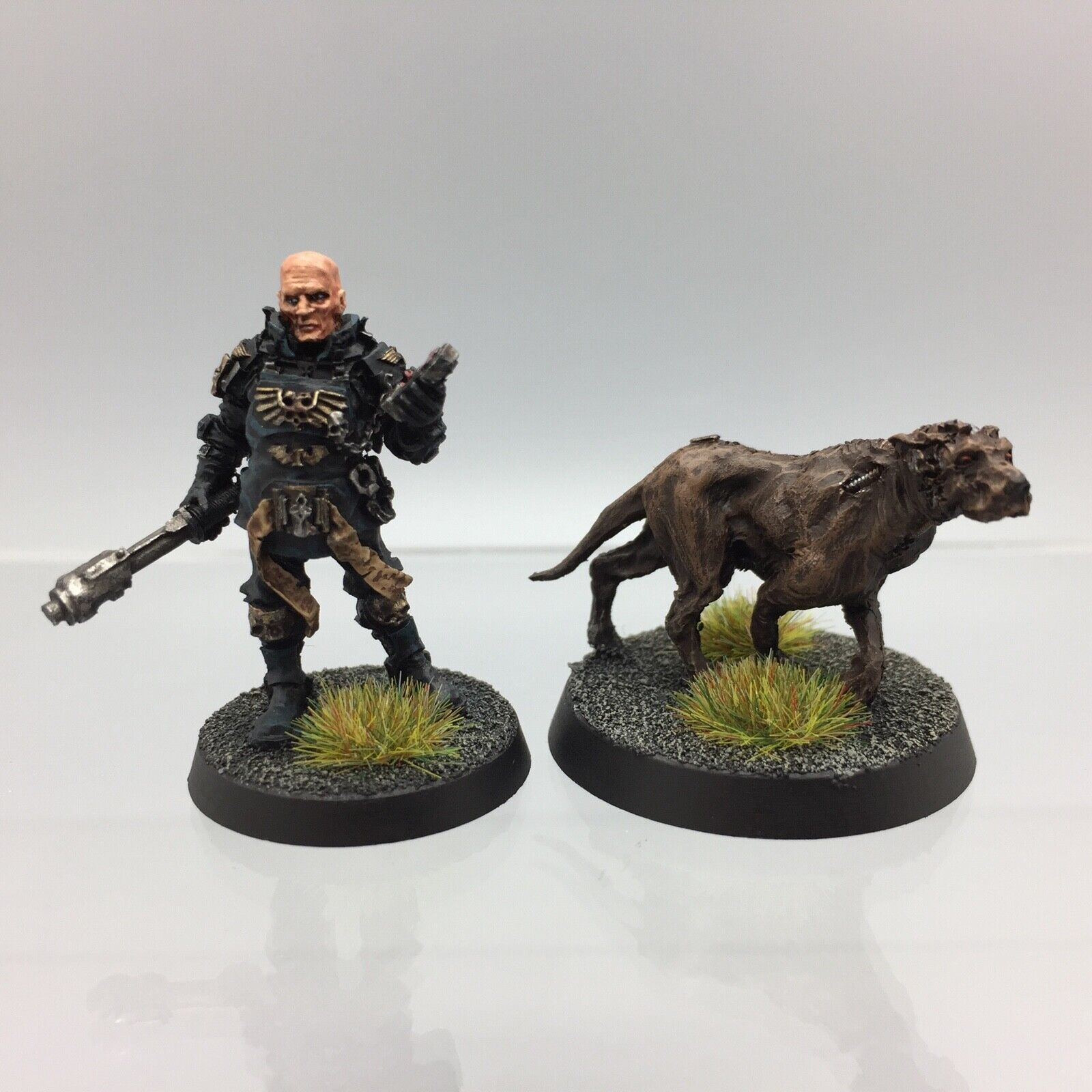 Warhammer 40,000 Imperial Enforcer  & Cyber Dogue Arbites Forge World painted  service de première classe