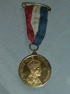 Rare-Vintage-Edward-VIII-Coronation-Gilt-Medal-with-Ribbon-1937