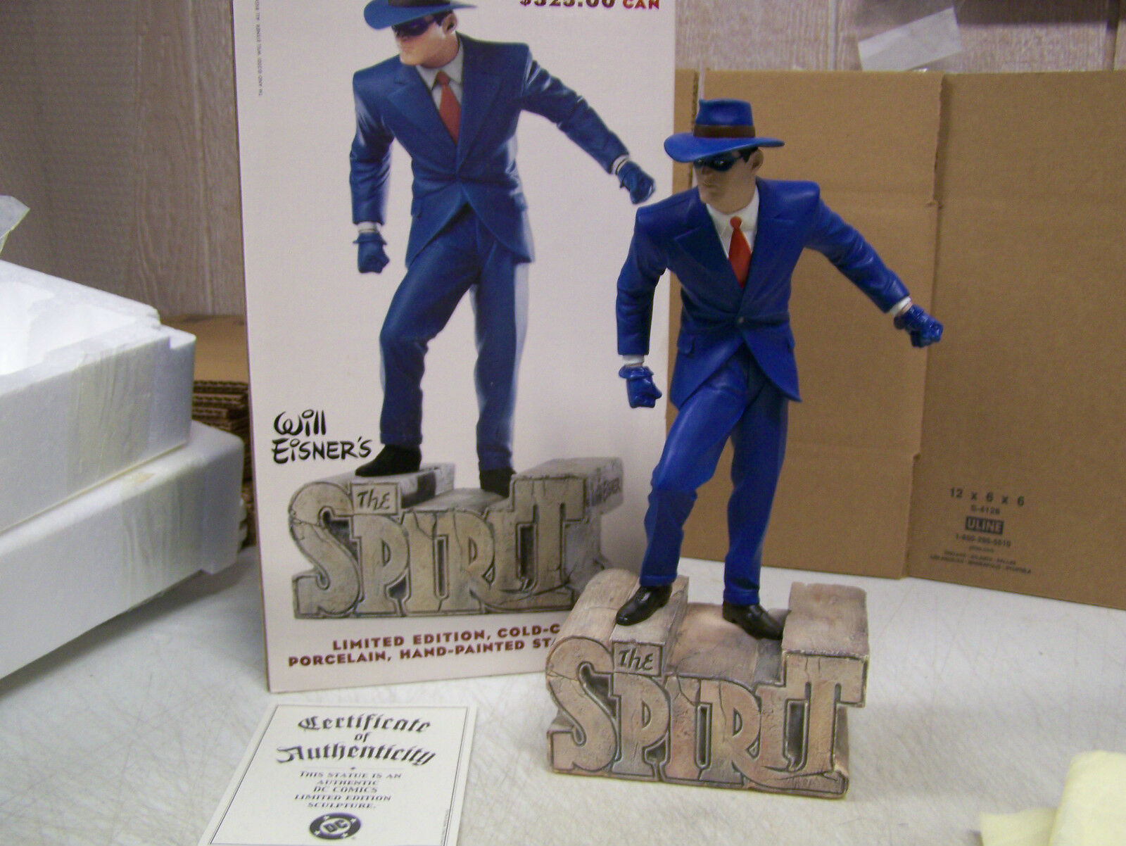 Will Eisners DC Direct Cold Cast Porcelain Figurine  THE SPIRIT - In bluee Suit
