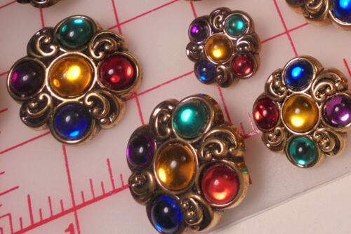 """5 Antique Gold Shank Buttons Symmetrical Floral 5 Colors Plastic  JUMBO 1-1//2/"""""""